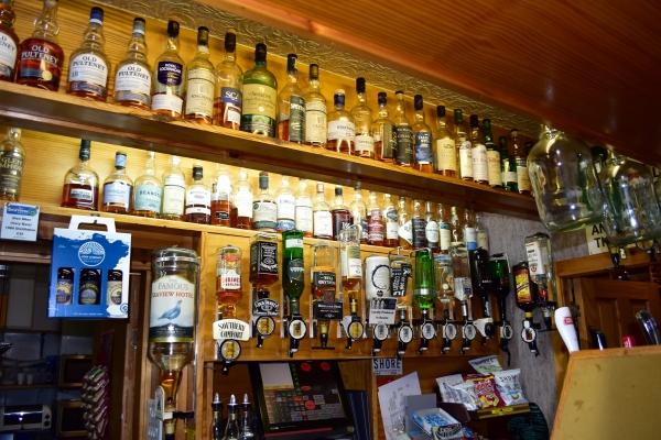 Schottische Bars sind bestens bestückt mit Whisky.